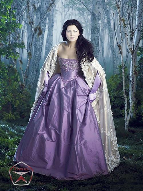 Женский шаблон для фотошопа - Принцесса в лесу